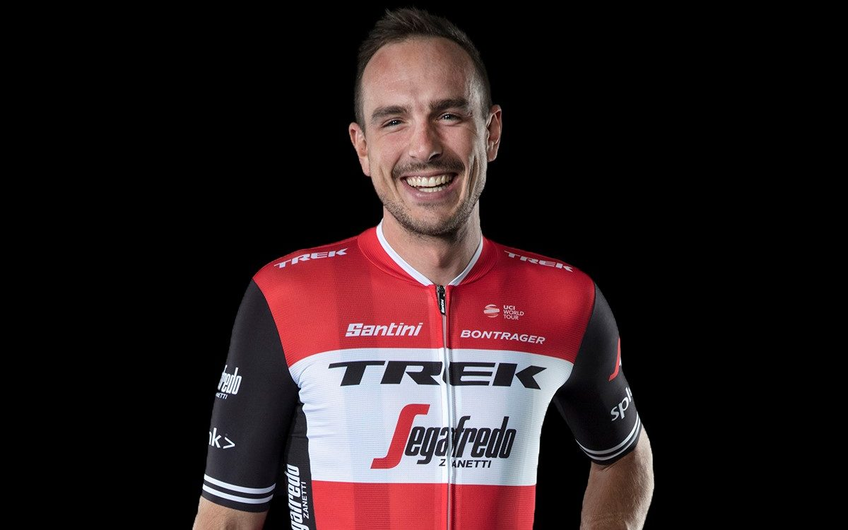 New Trek-Segafredo kits unveiled in London  76600dde6